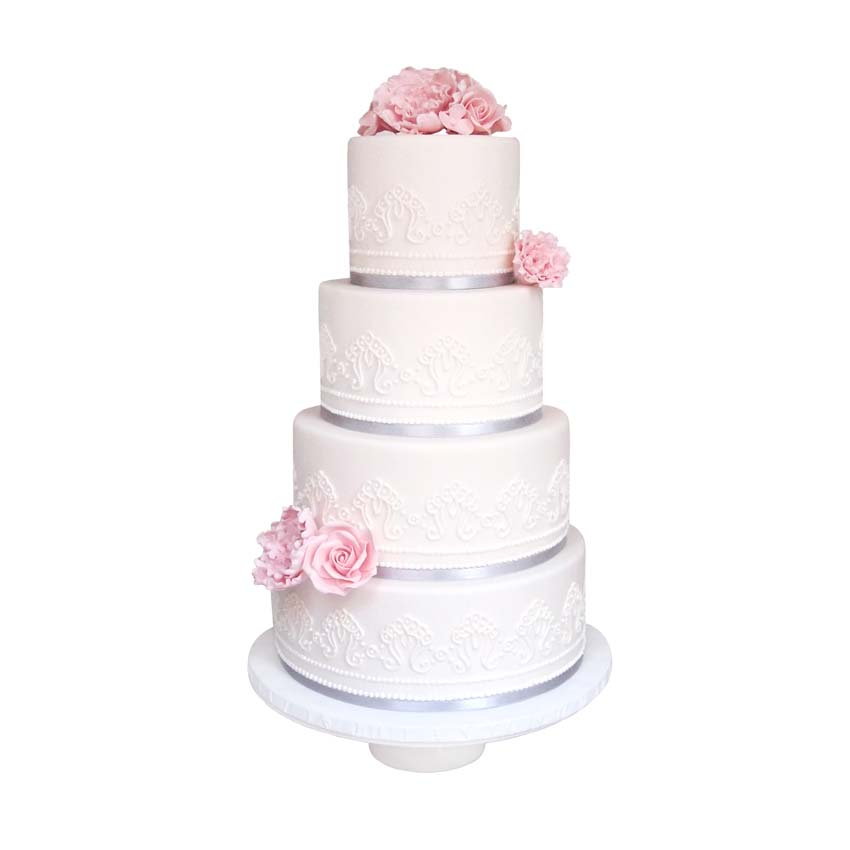 Hand Pipped Lace|| Sugarlips Cakes || www.SugarlipsCakes.com