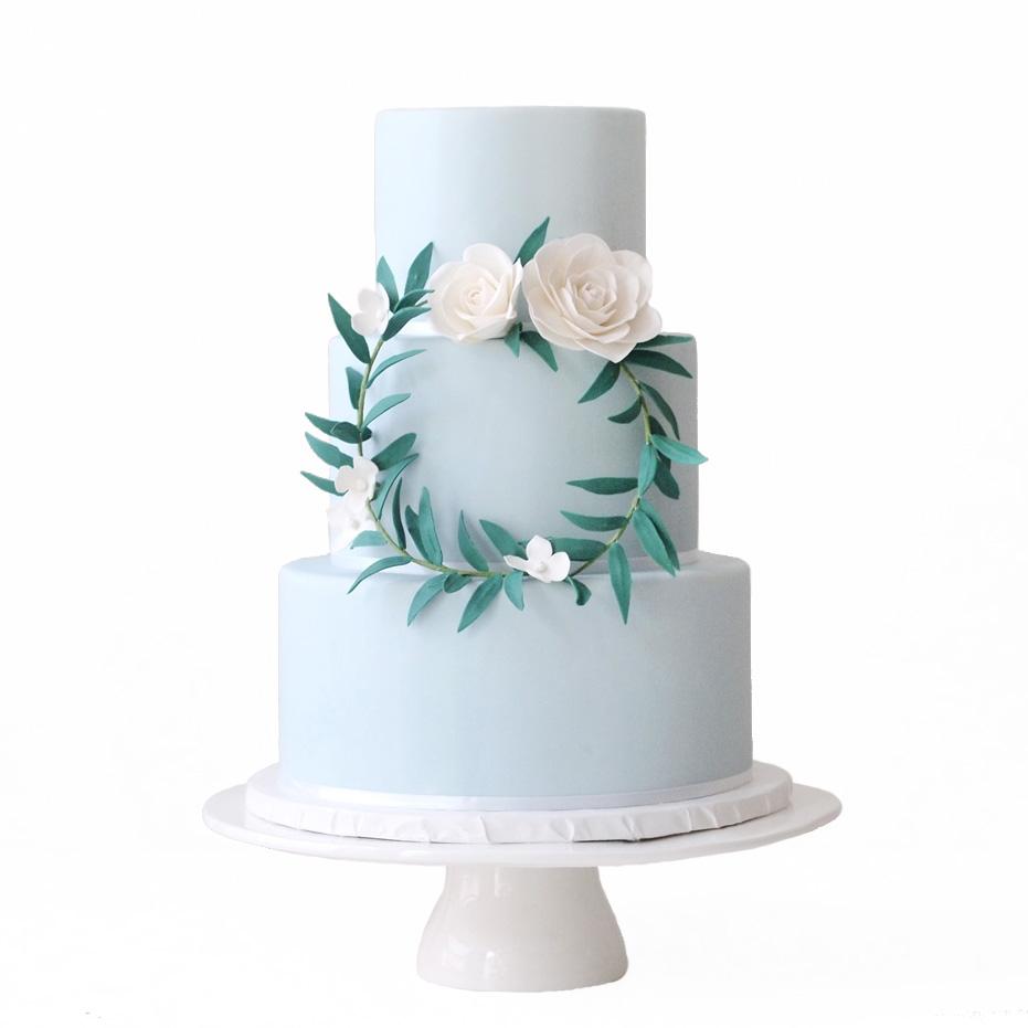 Dusty Blue Wreath || Sugarlips Cakes || www.SugarlipsCakes.com