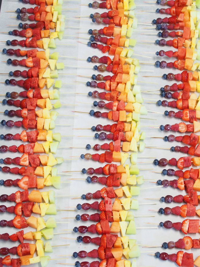 Sweet Catering - Rainbow Skewers
