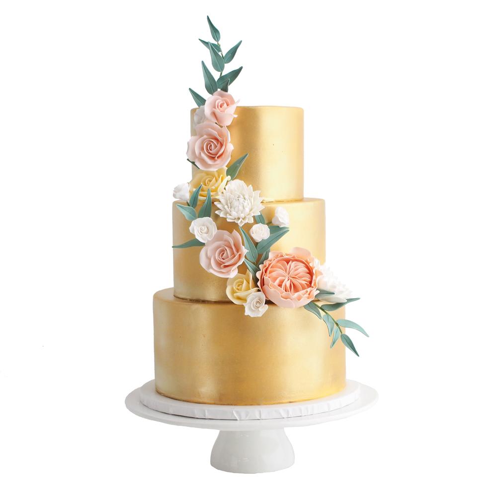 Gouden Fondant Bruidstaart met Pastel Suikerbloemen