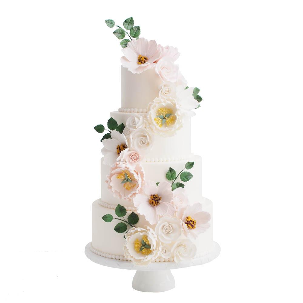 Witte Fondant Trouwtaart met Pastel Suikerbloemen en Blaadjes